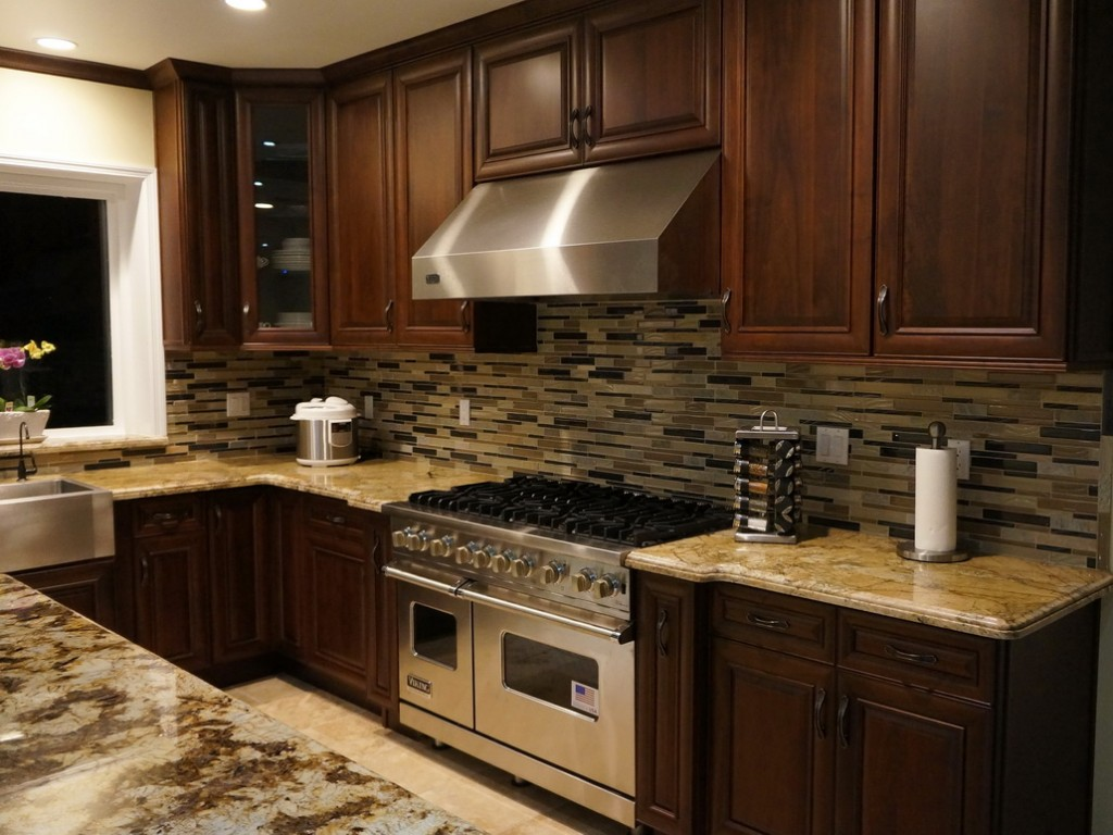 Gallery super cabinet world for Best kitchen cabinet manufacturers
